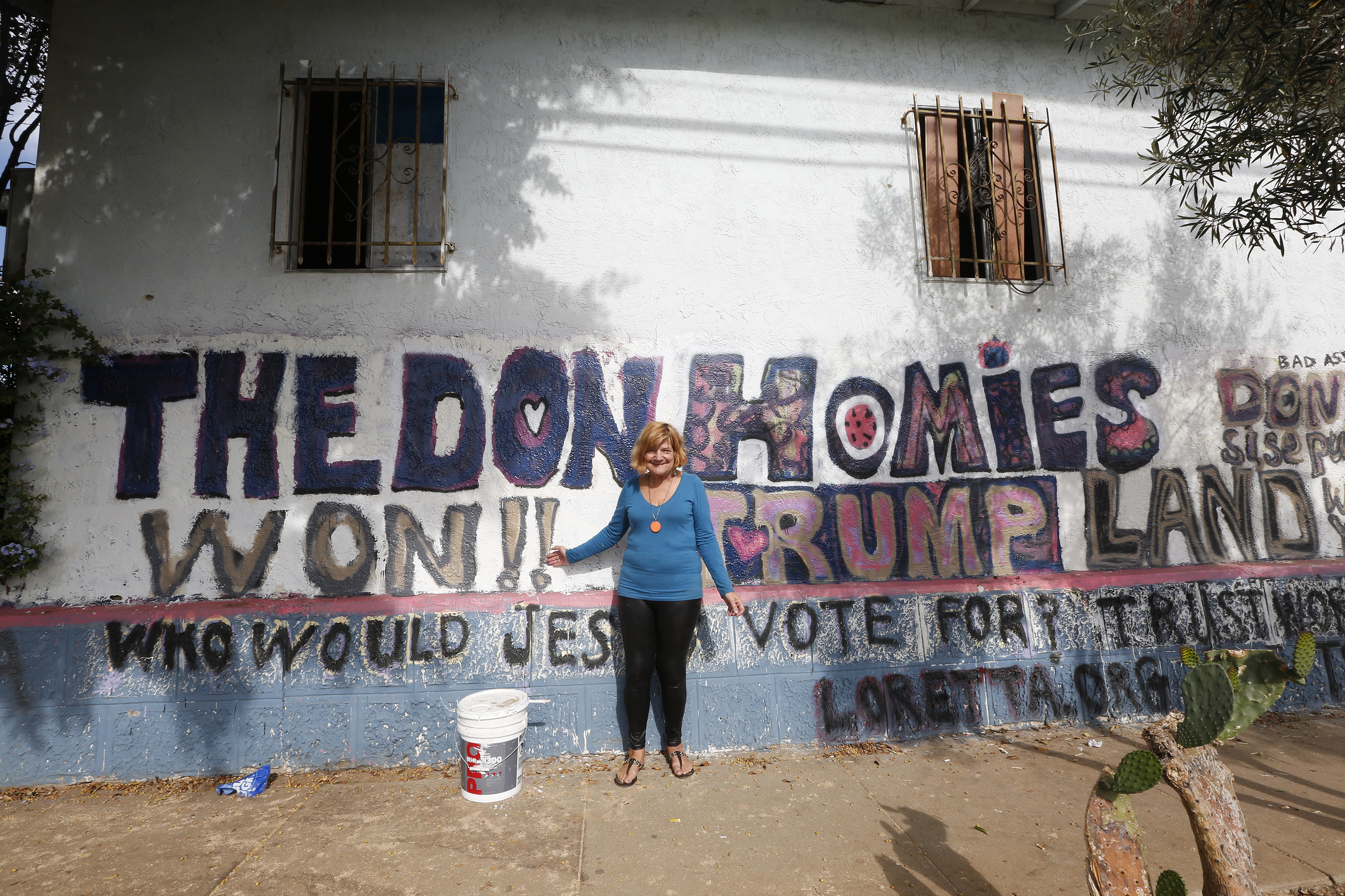 Mary Jacobs no es latina, pero vive rodeada de miembros de esta comunidad.