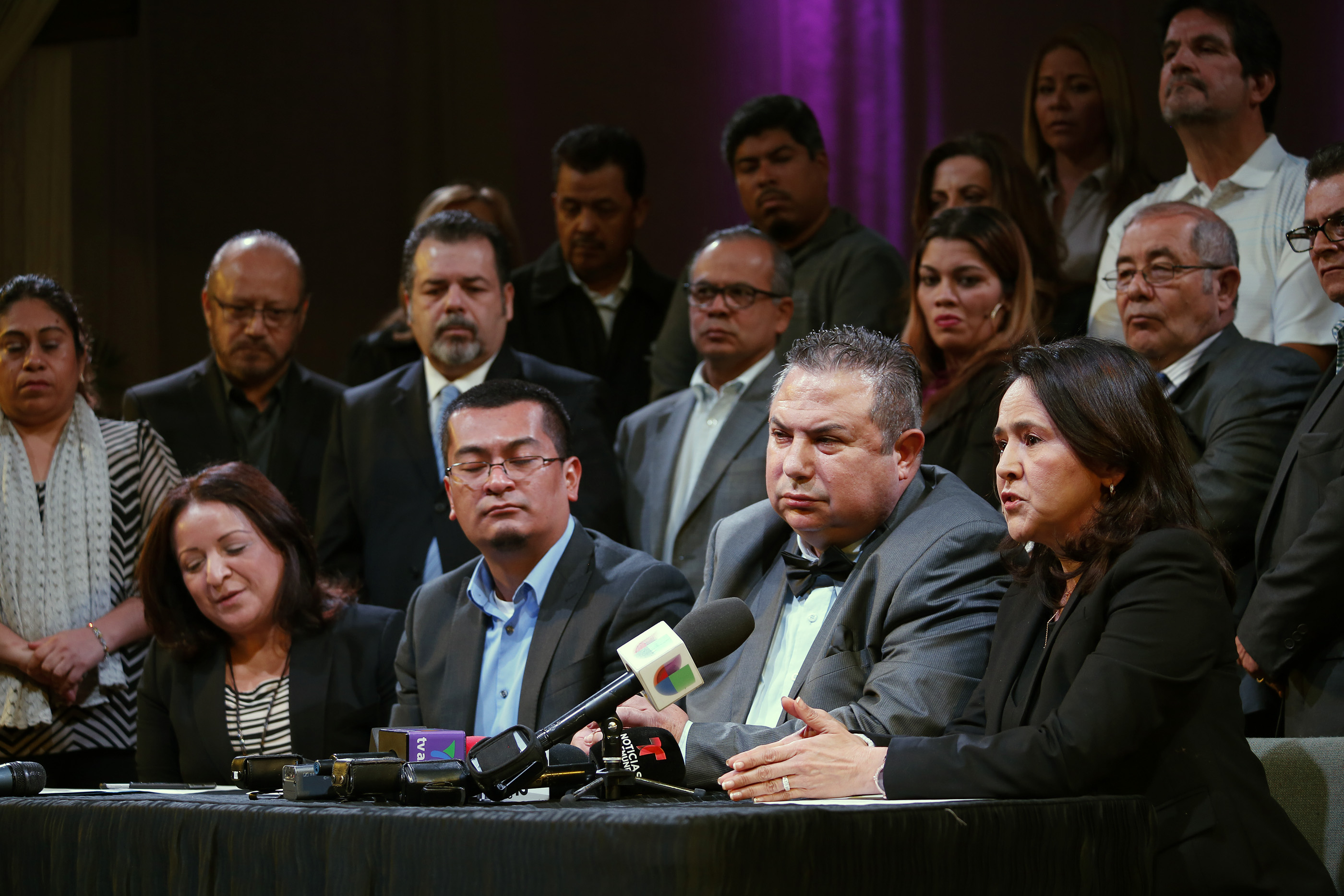 11/29/16/ LOS ANGELES/ Attorney Jessica Dominguez, joined dozens of evangelical pastors, during a press conference at Iglesia Centro De Vida Victoria, the formation of a new evangelical coalition in order to defend the immigrant community, expand and support the sanctuary movement, and inform immigrants about their constitutional rights. (Photo Aurelia Ventura/ La Opinion)