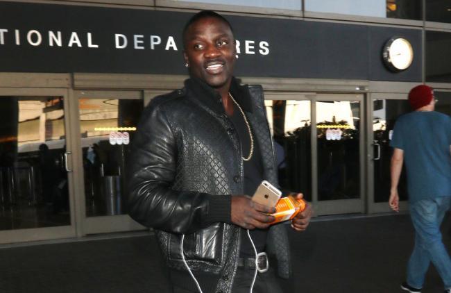 Akon.