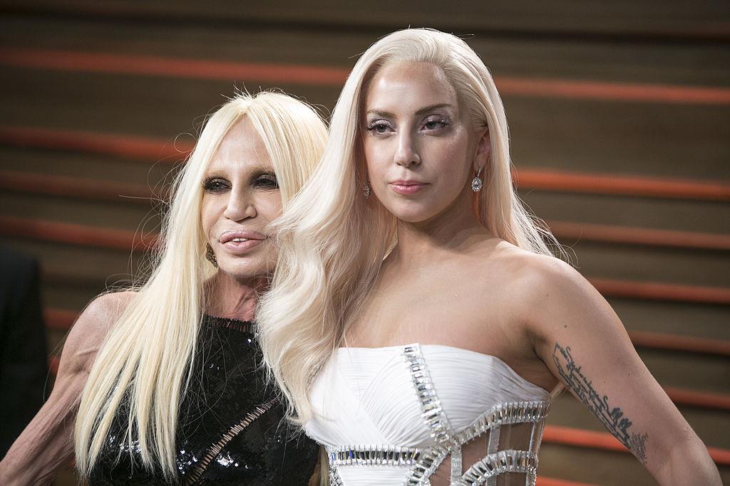 Lady Gaga y Donatella Versace