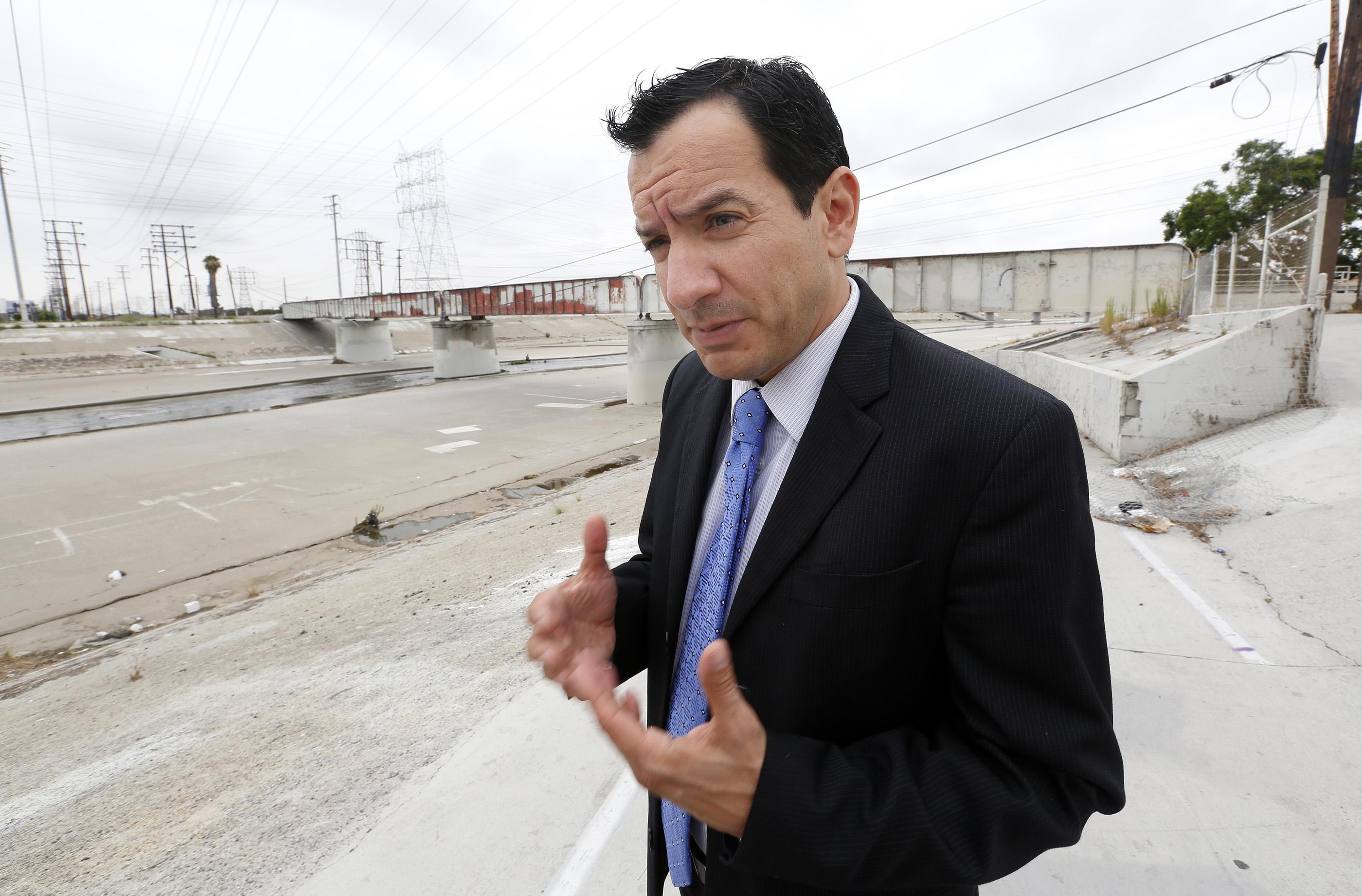 El asambleísta demócrata de Lakewood, Anthony Rendón, se ha propuesto revitalizar el otro río Los Ángeles, al que pocos prestan atención porque atraviesa por las ciudades más densamente pobladas por hispanos, Maywood, Lynwood, Bell, Cudahy, Paramount, South Gate y la parte norte de Long Beach