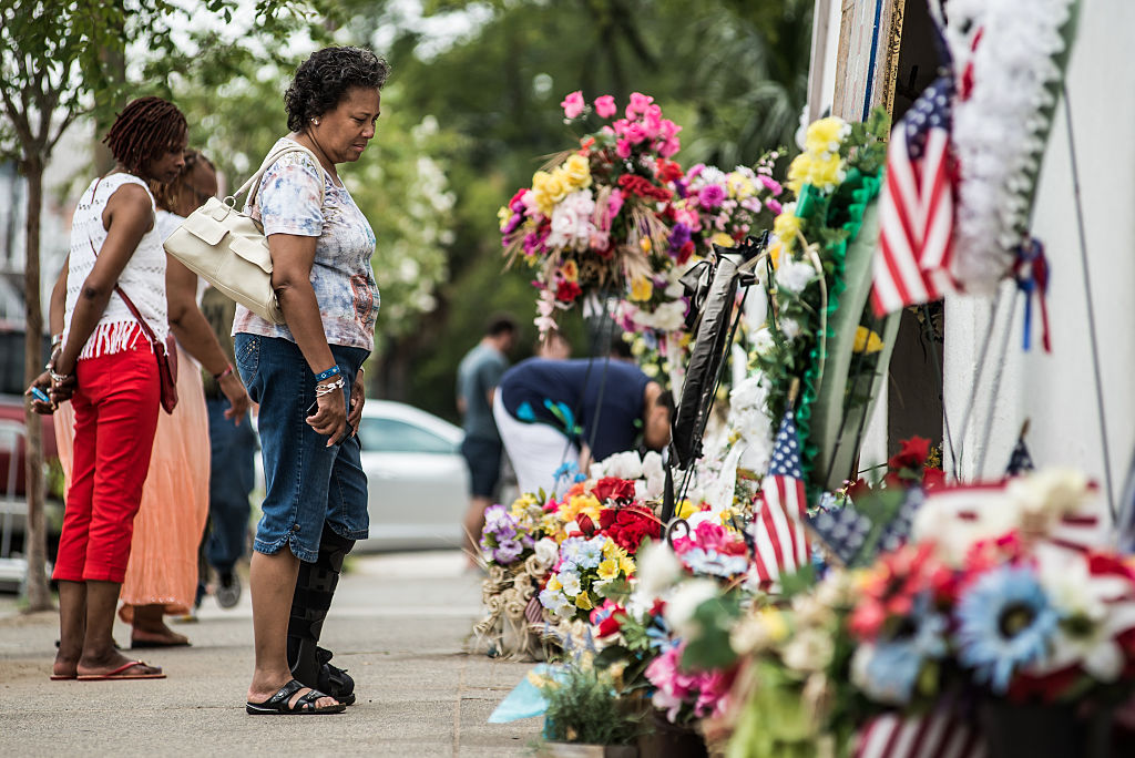 Memorial fuera de la iglesia Emanuel AME el 31 de julio de 2015 en Charleston, Carolina del Sur. Sean Rayford/Getty Images