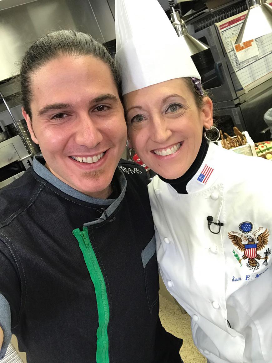 Chef James junto a Chef Ejecutiva de la Casa Blanca, Sussie Morrison