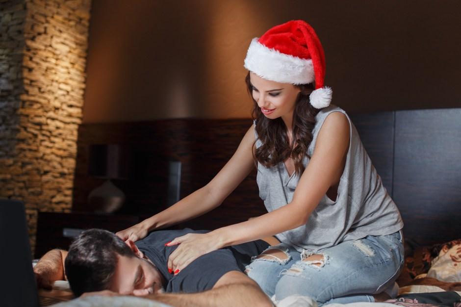 Con el regalo de un buen masaje navideño se encenderá de inmediato el placer y la pasión.