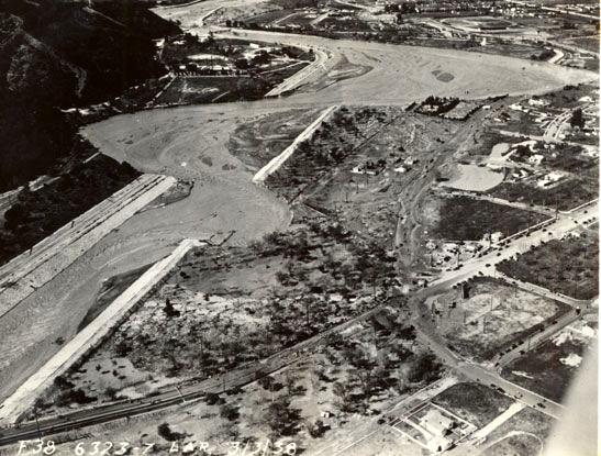 Vista área de las inundaciones del río de Los Ángeles de 1938 sobre Victory Boulevard (Foto: U.S. Army Corps of Engineers)