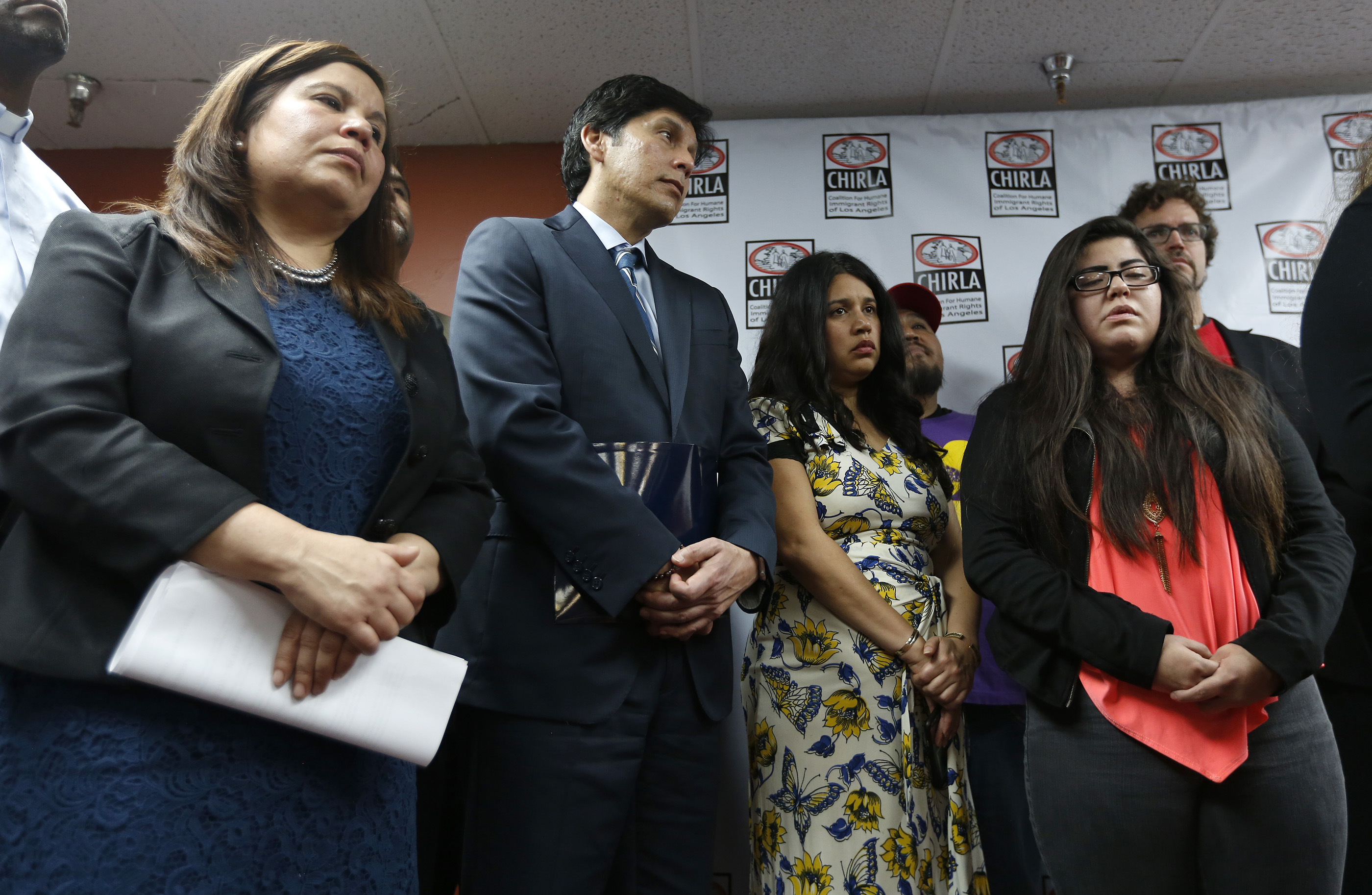 02/10/17/ LOS ANGELES/An emotional Marlene Mosqueda (R), 21, joined immigration advocates during a press conference at CHIRLAs Los Angeles headquarters, to express her outrage of her father, Manuel Mosque Lopez, being detained by ICE at his Van Nuys home. Immigration advocates claim more than 100 people were detained Thursday as U.S. Immigration and Customs Enforcement officials conducted home raids across three Southern California counties. (Photo Aurelia Ventura/ La Opinion)