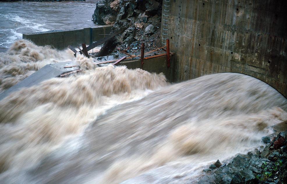 En 1964, la represa de Oroville todavía estaba en construcción (Foto: Bob Mortensen / California Department of Water Resources)