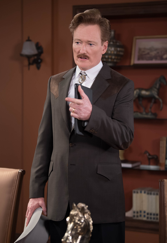 Conan O'Brien hace el personaje de Joseph Robinson
