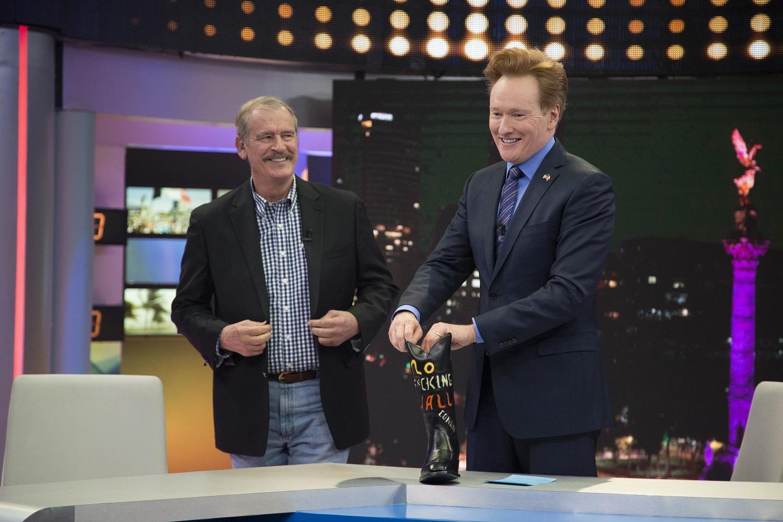Vicente Fox fue entrevistado por Conan O'Brien en el especial de televisión