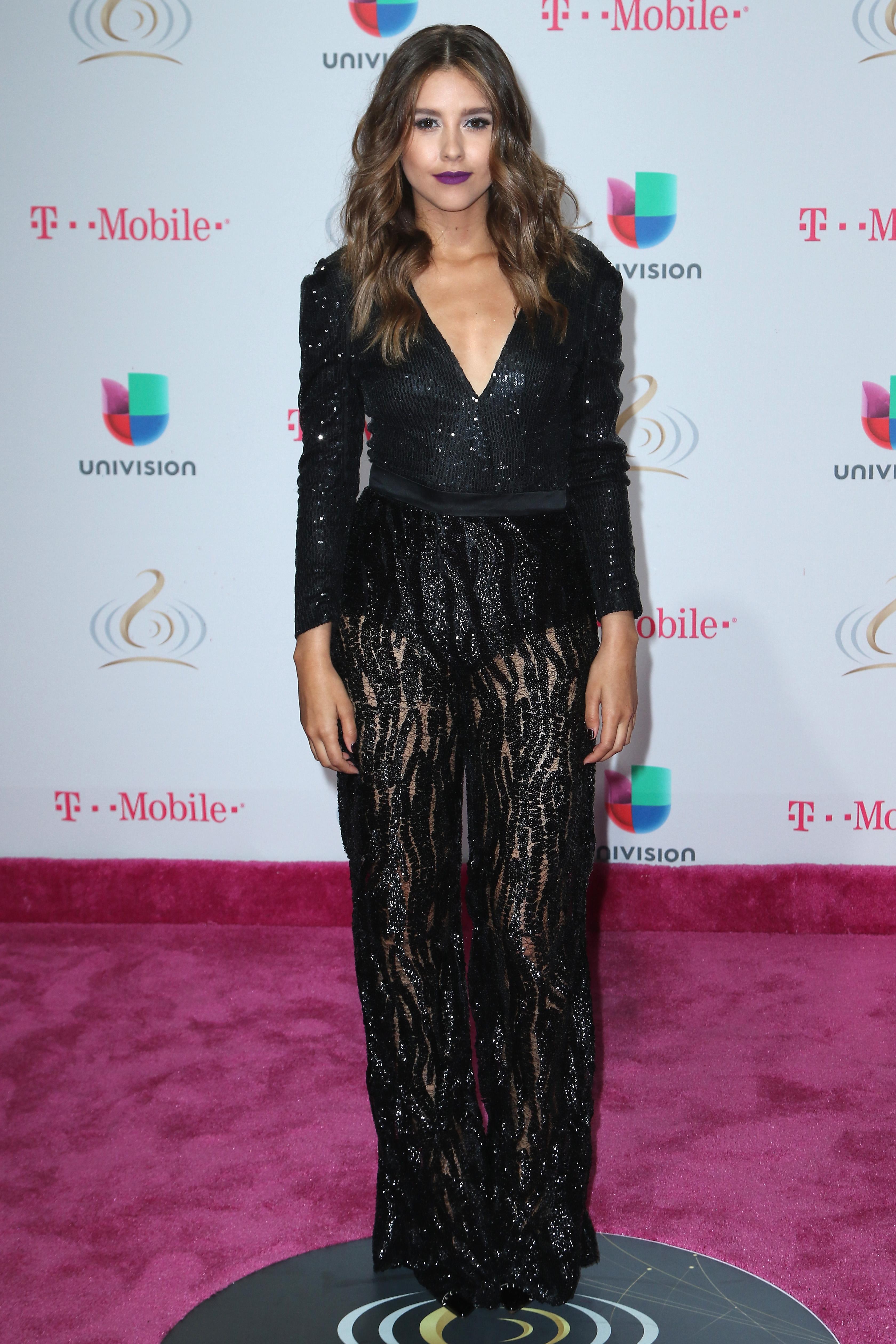 Paulina Goto con un look impresionante en Premio Lo Nuestro 2017