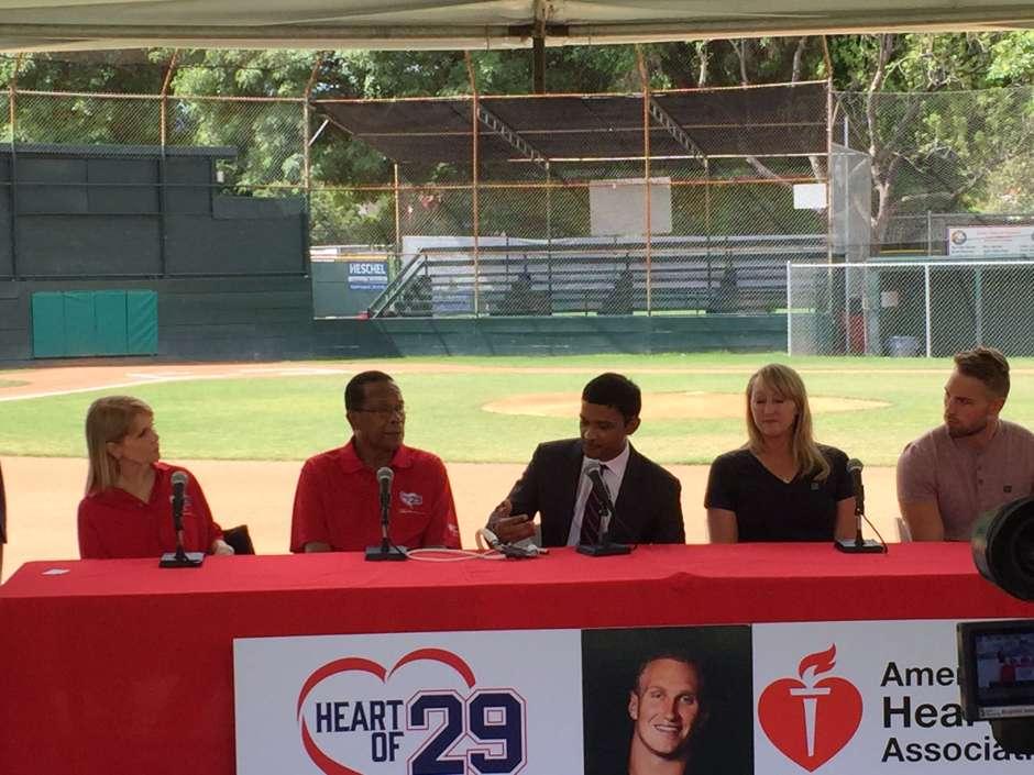 Los Carew y los Reuland se presentaron juntos para hablar sobre el trasplante de corazón, donado por Konrad Reuland.