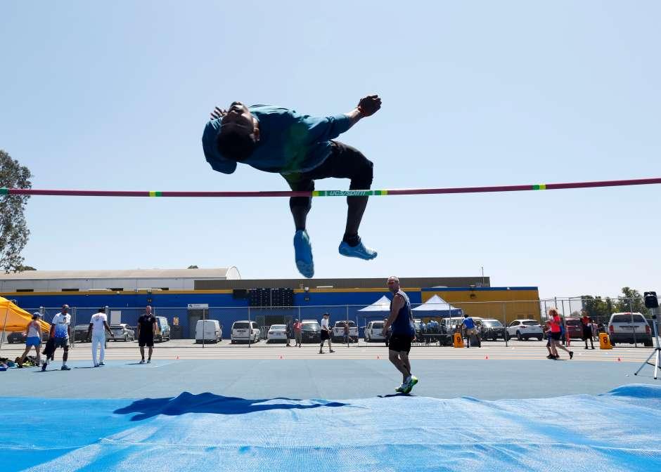 El Salto de altura es una de las competencias en los juegos. (Aurelia Ventura/ La Opinion)