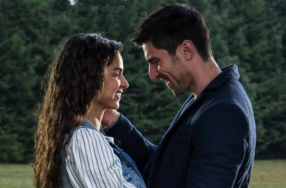 """Claudia Martín y Osvaldo de León protagonizan la telenovela """"Sin tu mirada"""""""