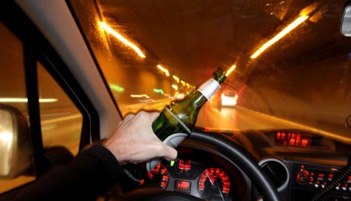 Beber y manejar puede causar accidentes y lesionados. / foto: archivo