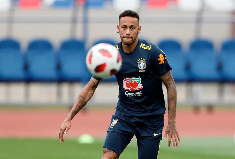 Neymar acumula dos goles y una asistencia en cuatro partidos disputados en el Mundial