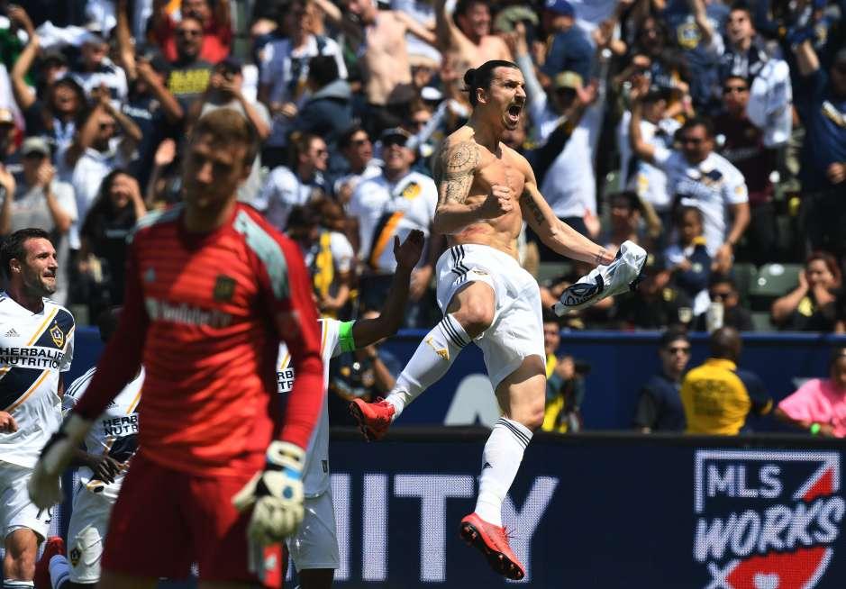 Inolvidable fue el debut de 'Ibra' en la MLS, en contra del LAFC.