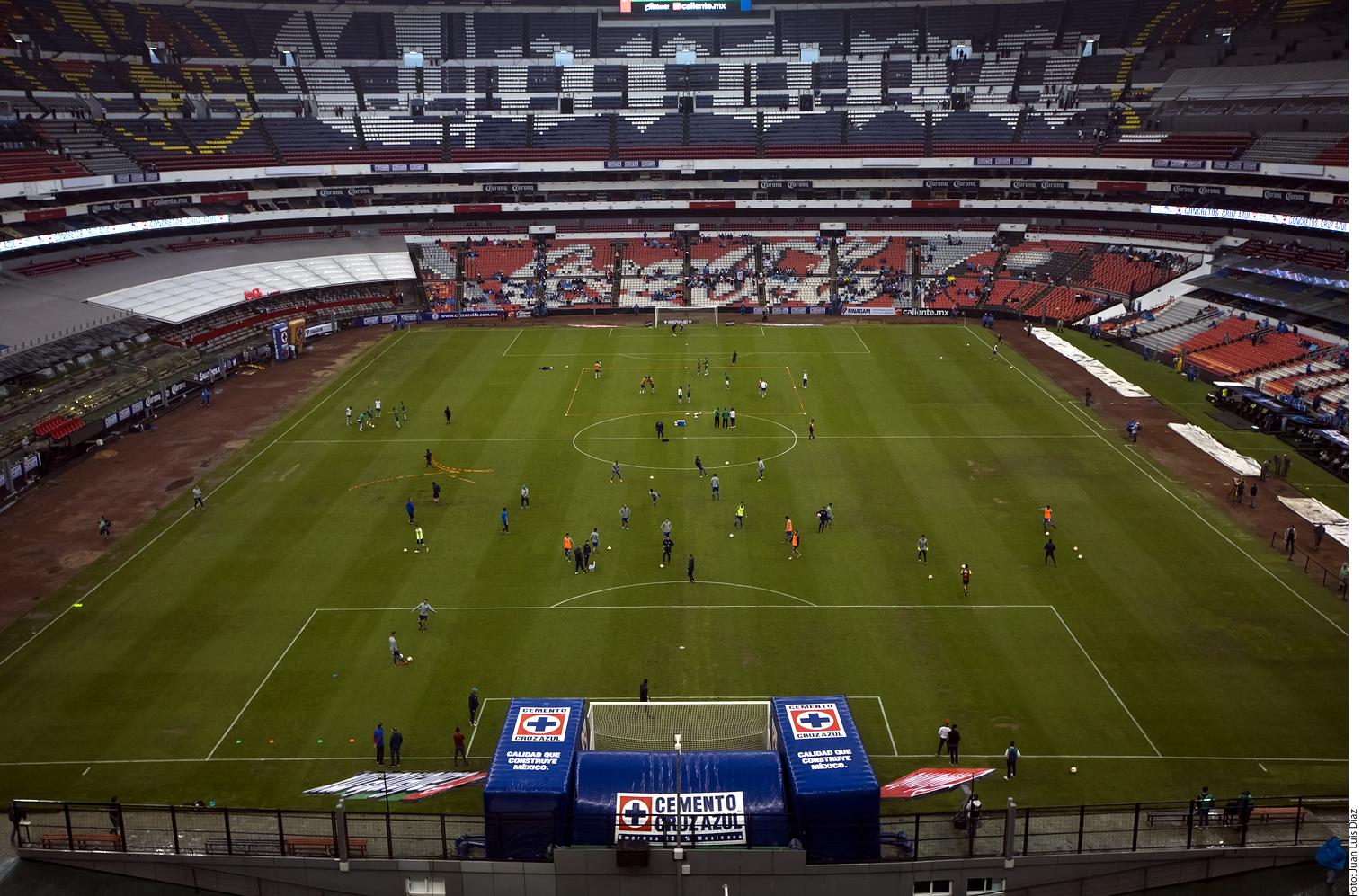 El nuevo césped del estadio Azteca estará listo el 15 de septiembre