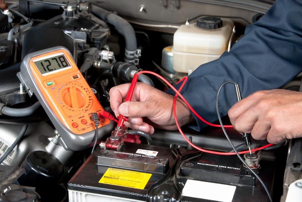 mantenimiento batería auto