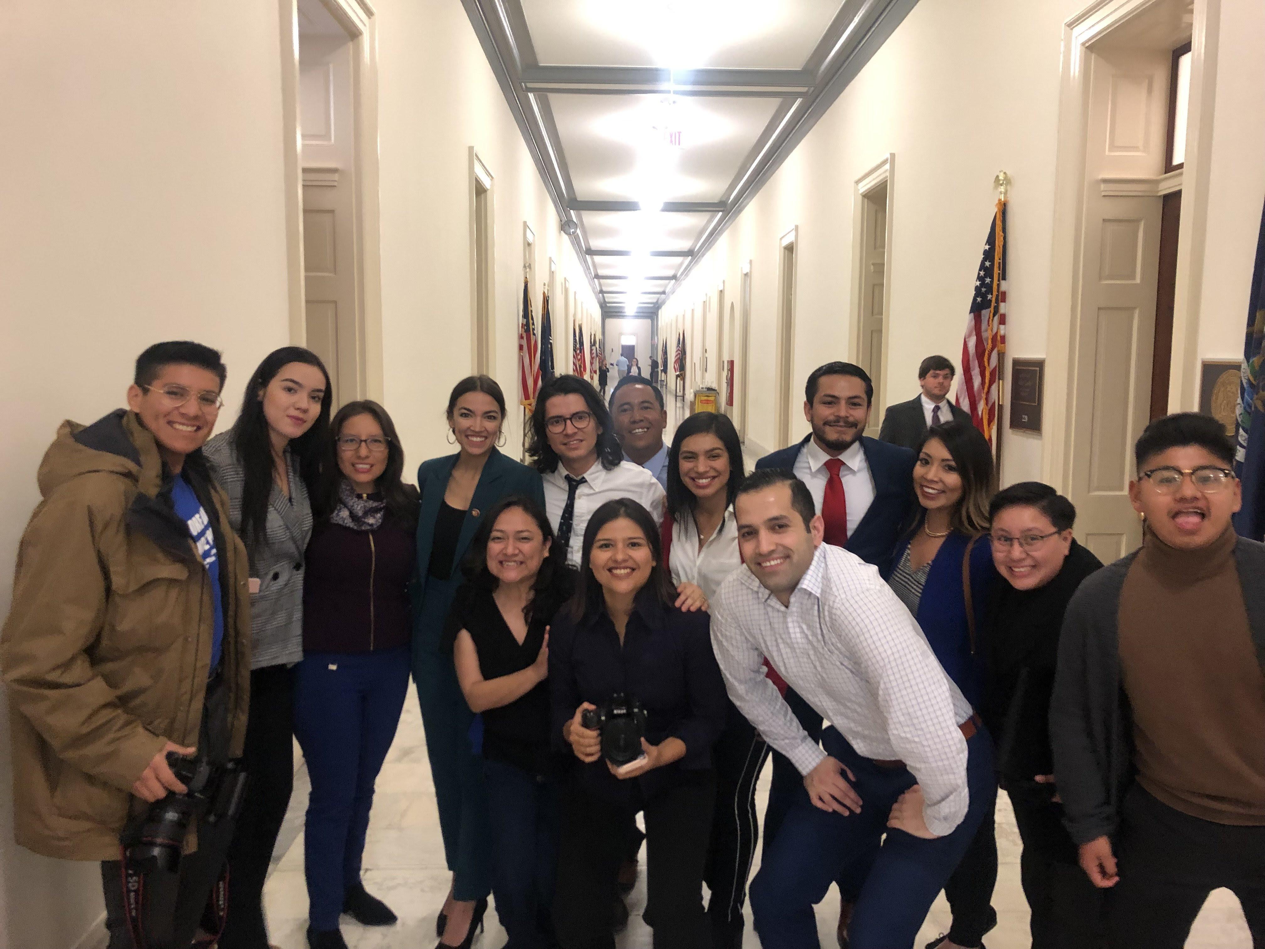 El mes pasado, un grupo de dreamers fueron a Washington, D.C. a abogar por el restablecimiento del Advance Parole, el permiso oficial para viajar al exterior y regresar si problemas a EE UU. (Foto suministrado)