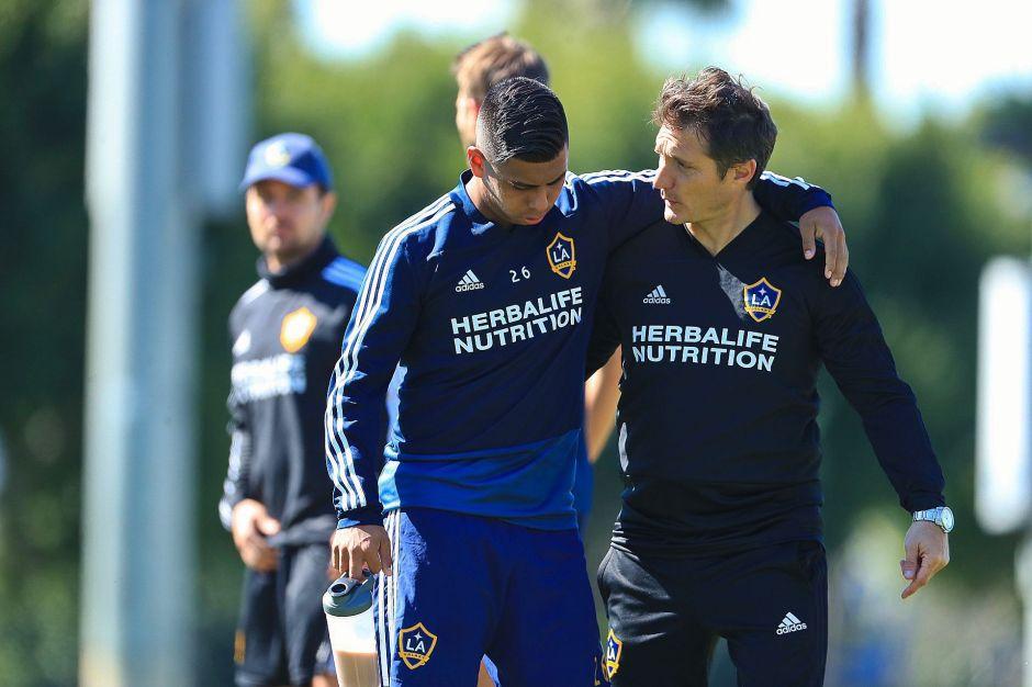 El técnico argentino se comunica bien con sus jugadores.