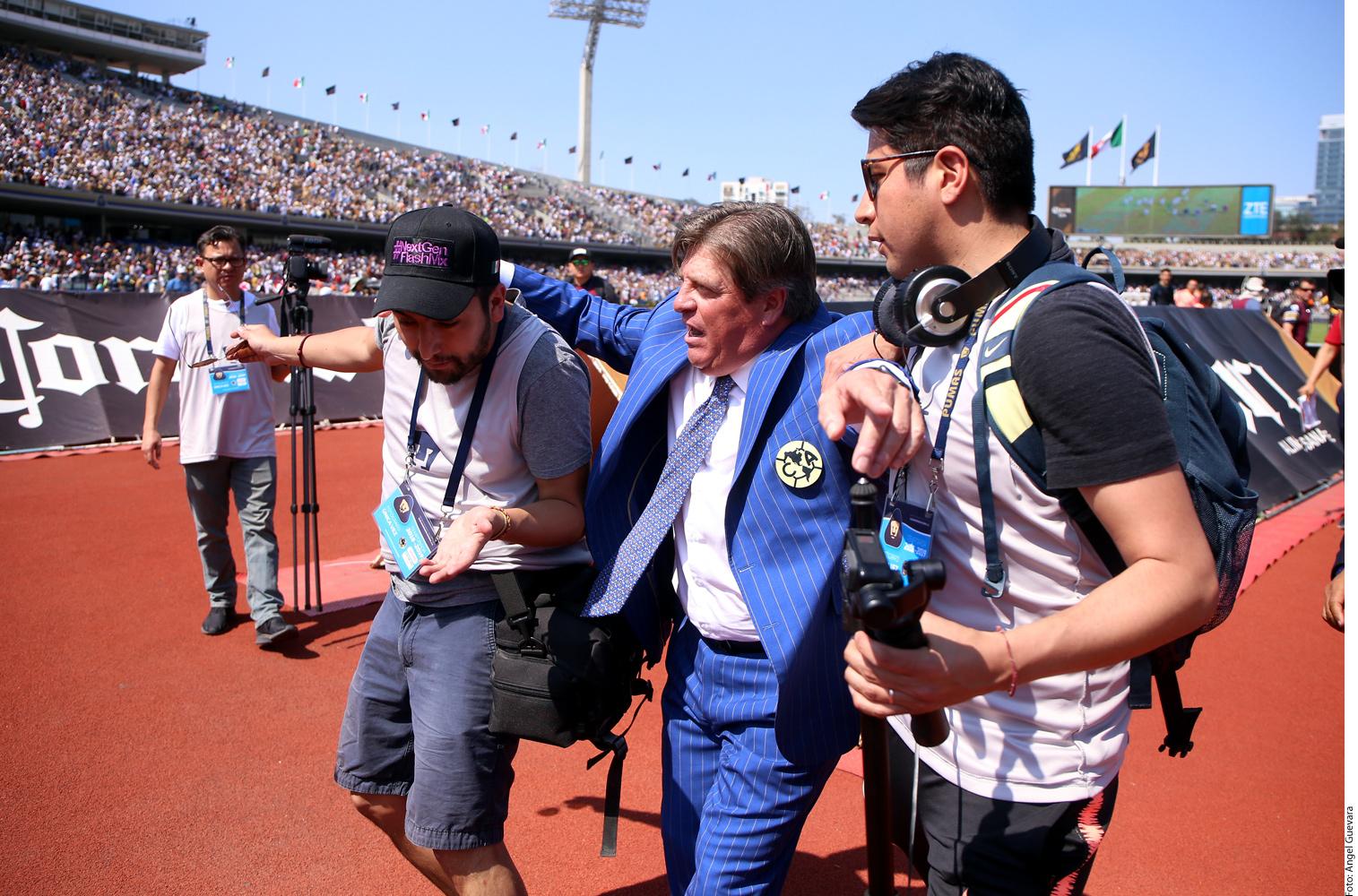 Juan Carlos Castro es un gerente de ventas que increpó a Miguel Herrera después del Pumas vs. América