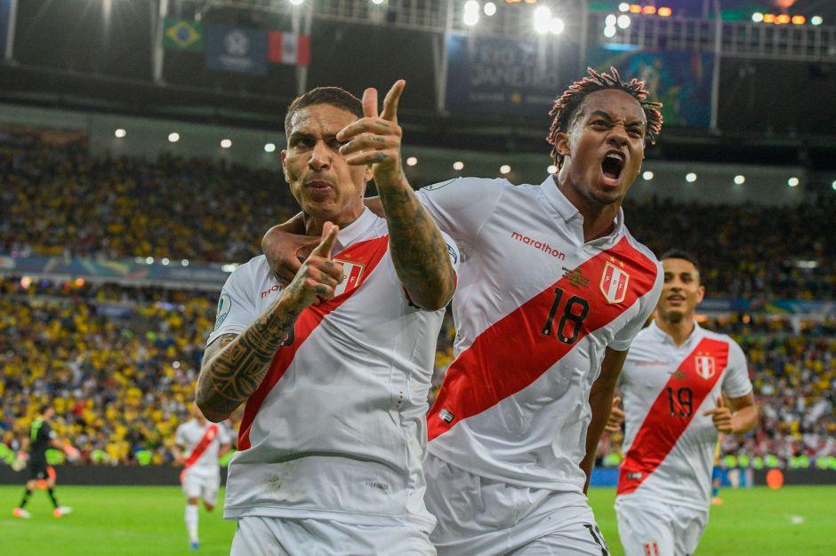 Guerrero logra anotarle a Brasil en Copa América.