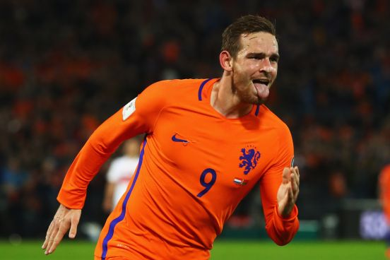 El jugador holandés llega del Tottenham inglés