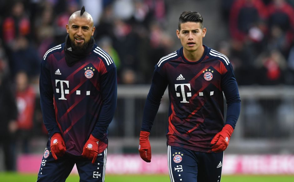 James y Vidal previo a un encuentro del Bayern Múnich