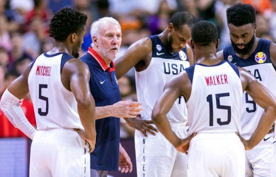 Gregg Popovich no pudo conseguir el título con un equipo joven sin estrellas de la NBA.