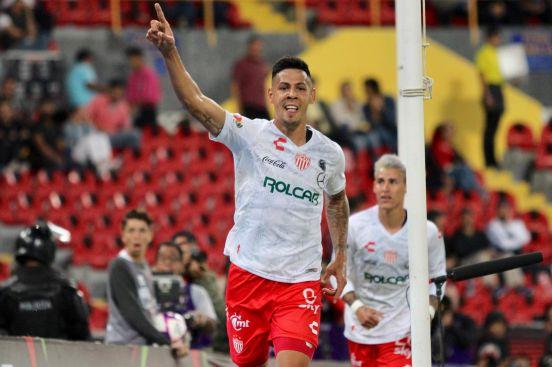 Mauro Quiroga llega como campeón de goleo.