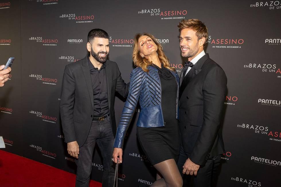 Jomari Goyso junto a Lili Estefan y William Levy