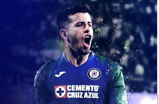 El uruguayo Pablo Cepellini es uno de los dos refuerzos celestes que anunció el club hoy.