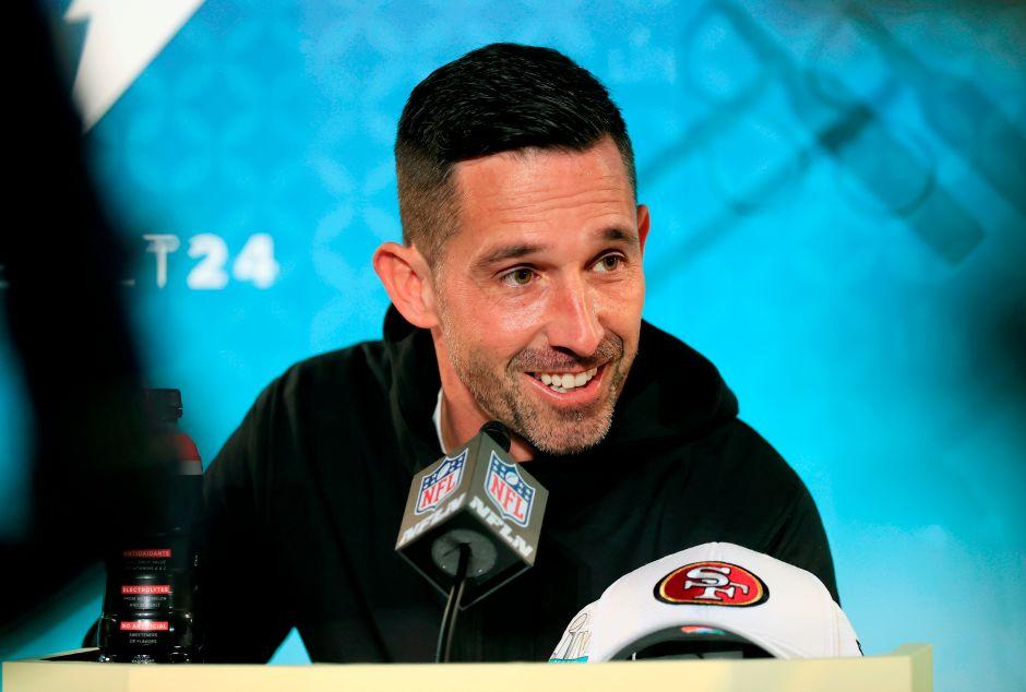 Kyle Shanahan, de 40 años, es el coach de los 49ers.