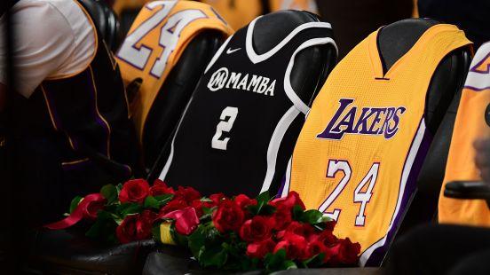 Se rindió tributo a Kobe en el partido de los Lakers.