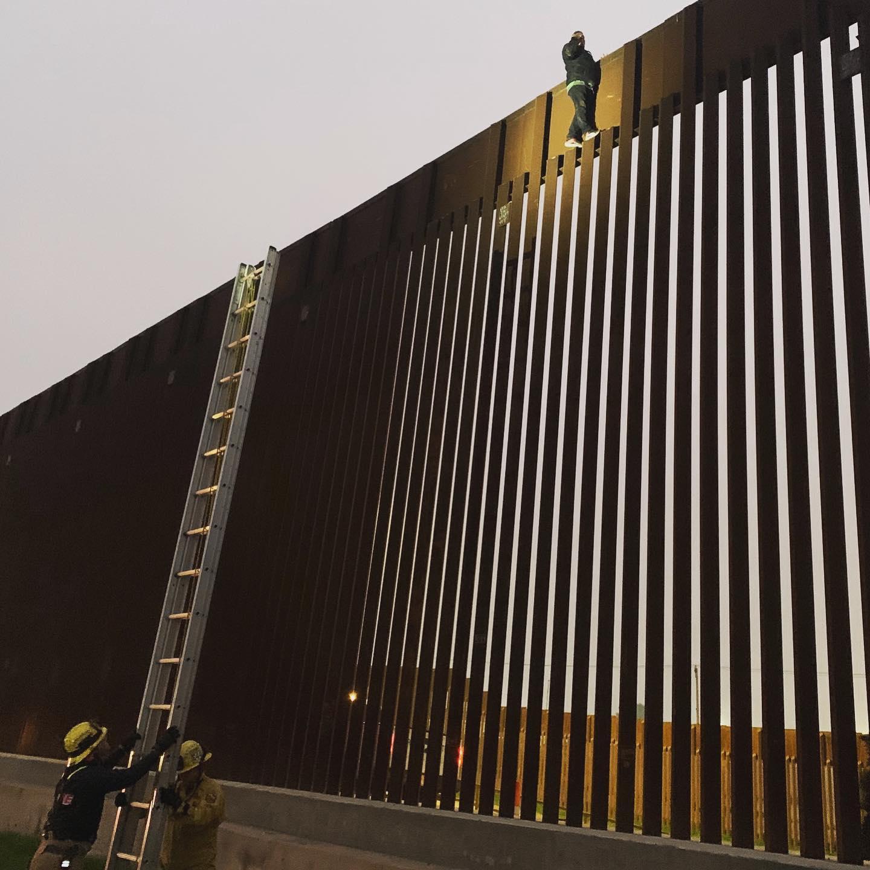 rescate muro fronterizo