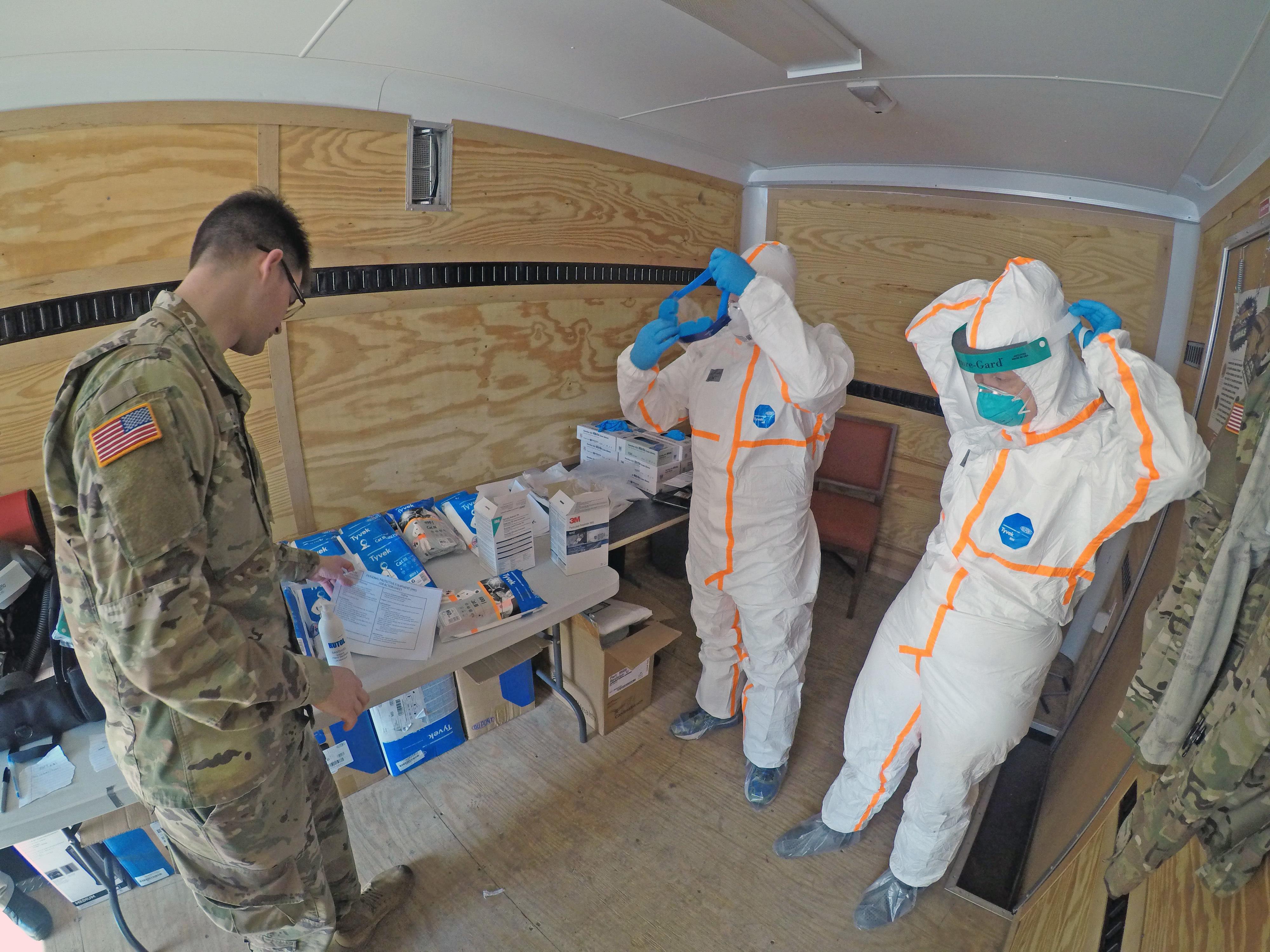 Unidad médica de la Guardia de California sumida en la lucha COVID-19