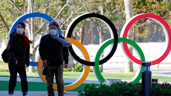 La segunda opción fue que los Juegos Olímpicos se realicen de acuerdo a lo programado.