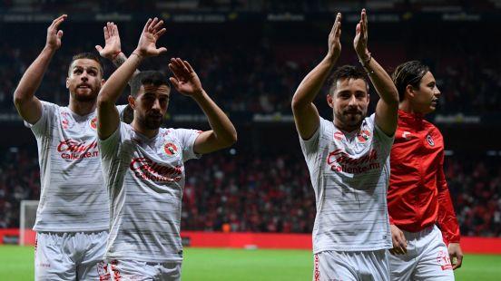 Solo se suspenden los saludos de mano entre jugadores de los equipos contendientes.