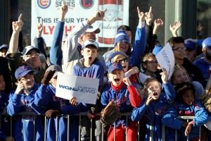 Tras 108 años sin ganar la Serie Mundial, los fans de los Cubs gozaron la victoria en 2016.