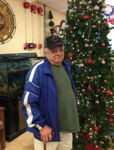 El puertorriqueño Carlos López, de 79 años, es un residente del Center Home for Hispanic Elderly del barrio de Humboldt Park.