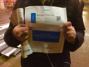 Para obtener estos boletos se hicieron enormes colas en la madrugada y con mucho frío (Belhú Sanabria / La Raza)